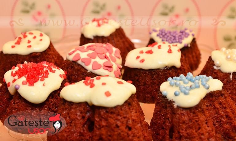 Red-velvet-cupcakes-14
